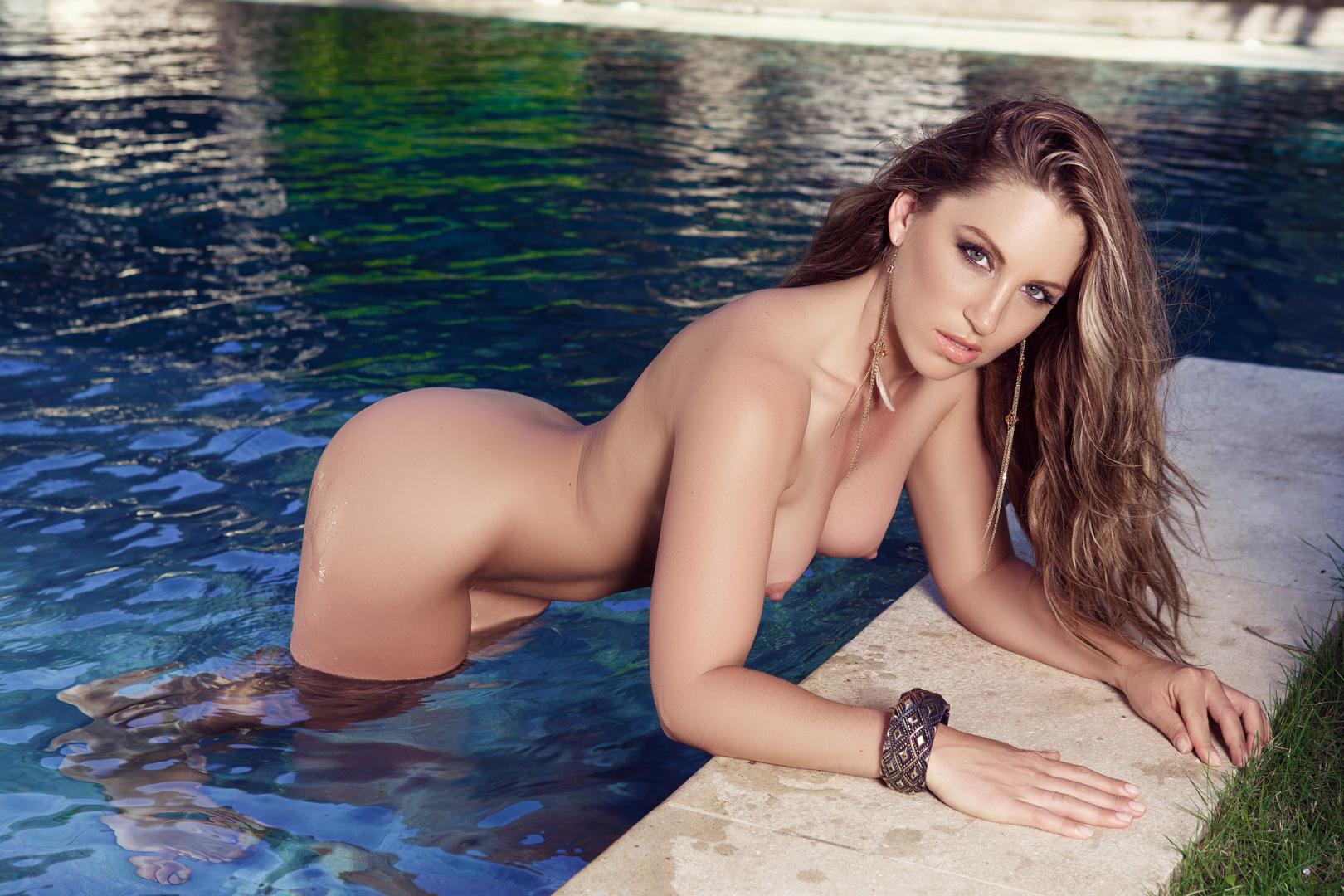 Sarah Jane Dias Topless