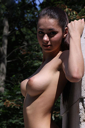 Helga Exposed Her Nice Tits Outdoors